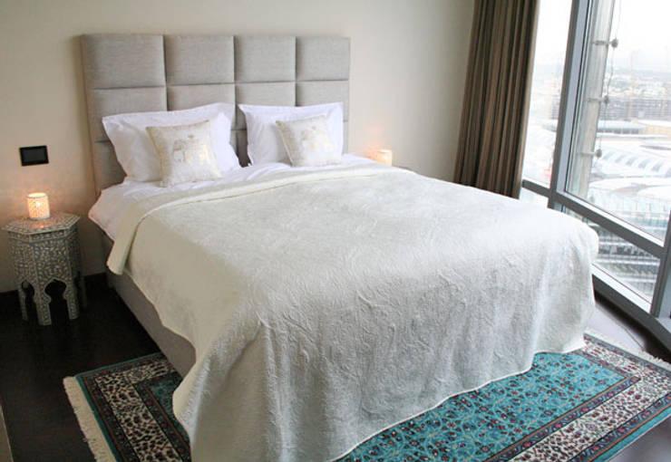 Appartement Dubai:  Slaapkamer door By Lenny, Modern