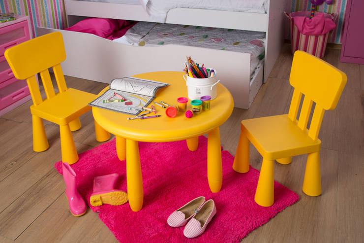 Mobiliario hecho a su medida: Habitaciones infantiles de estilo  por Idea Interior