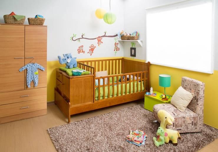 Bebé: Habitaciones infantiles de estilo  por Idea Interior
