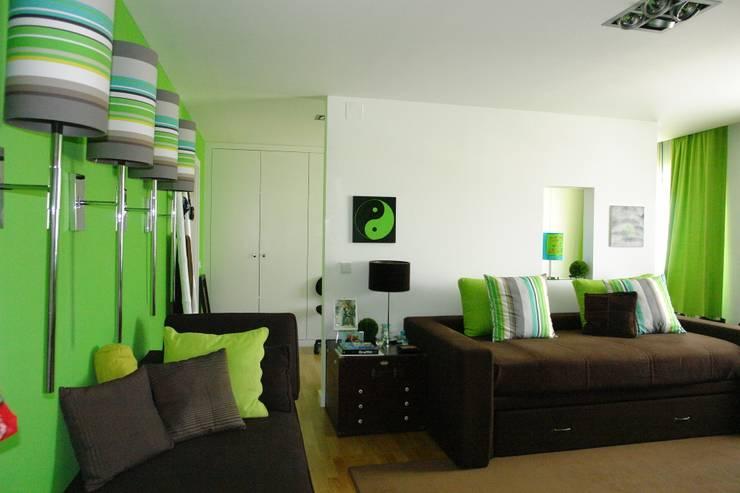 Apartamento – Restauro: Quartos  por Decorando - Inner Spaces