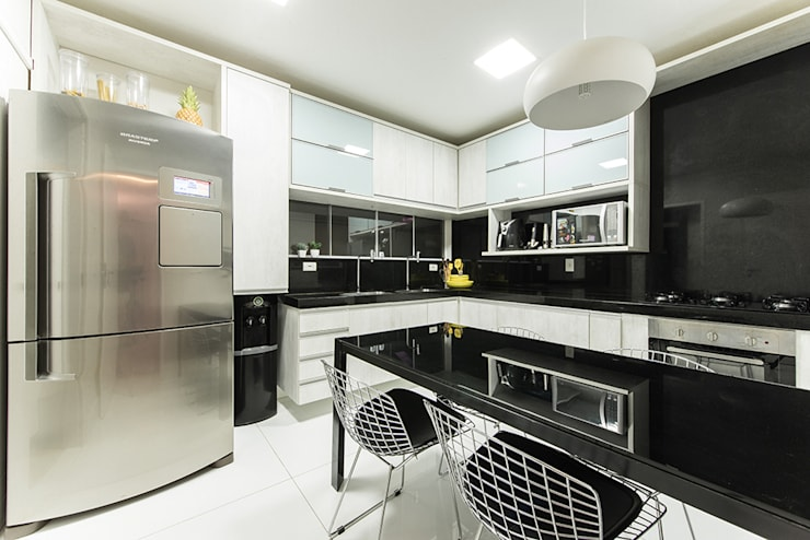 Kitchen by Duo Arquitetura