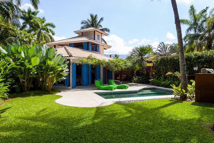 Casas de estilo colonial por RAC ARQUITETURA