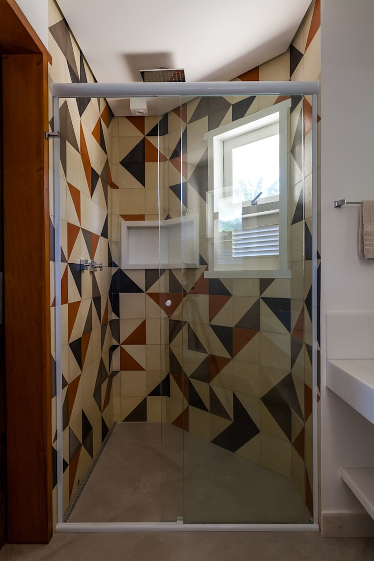 Ванные комнаты в . Автор – RAC ARQUITETURA,