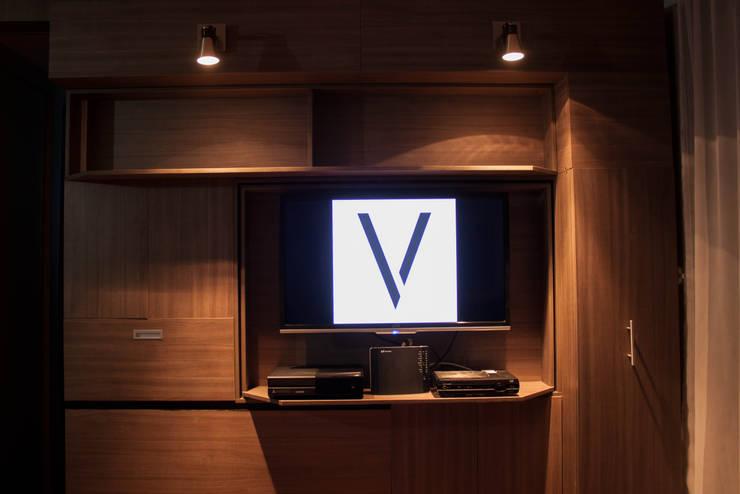 Muro Multifuncional Vertex : Hogar de estilo  por Vertex