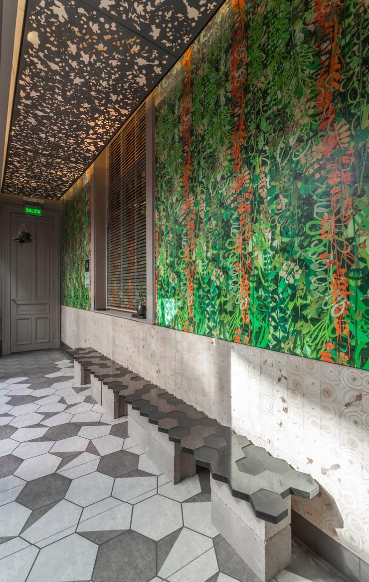 CASA FOA 2015 - ESPACIO GALERIA: Galerías y espacios comerciales de estilo  por Matealbino arquitectura