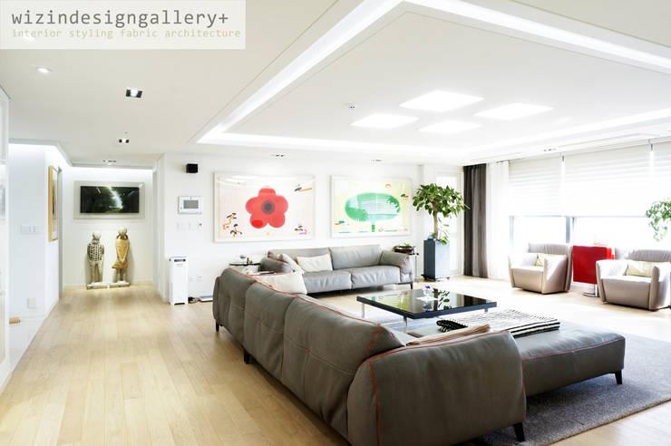 반포 래미안퍼스티지, 거실인테리어,거실리모델링,거실 스타일: wizingallery의  거실