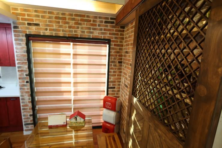 대구 수성구 범어동 푸른마을 아파트 인테리어 리모델링: inark [인아크 건축 설계 디자인]의  주방