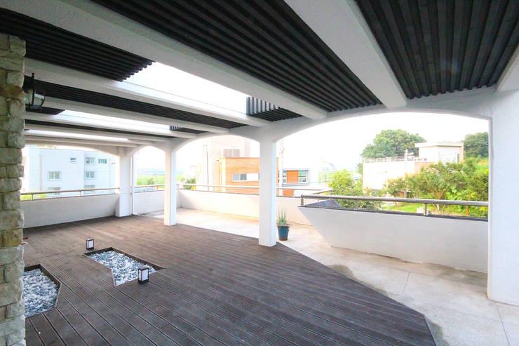 경남 합천 전원 주택 협소 주택 땅콩 주택: inark [인아크 건축 설계 디자인]의  주택