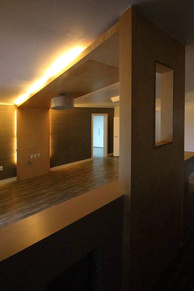 경남 합천 전원 주택 협소 주택 땅콩 주택: inark [인아크 건축 설계 디자인]의  주방