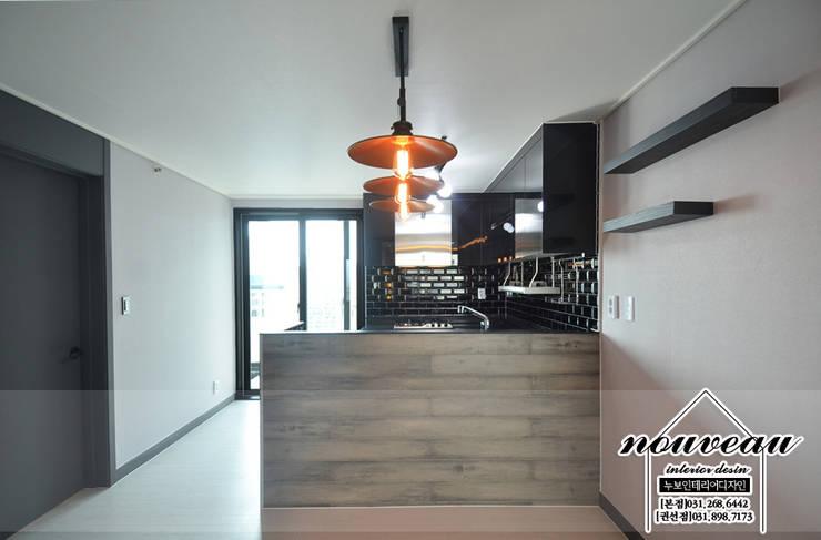 인더스트리얼 컨셉으로 꾸민 34평아파트인테리어: 누보인테리어디자인의  주방,인더스트리얼