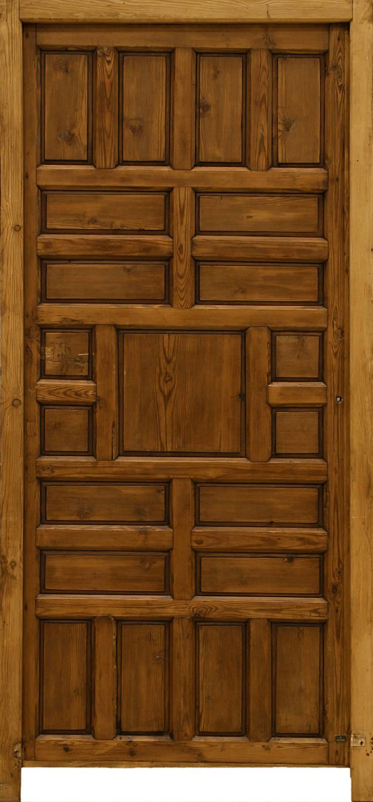 Puertas antiguas de conely homify for Puertas de cuarterones antiguas