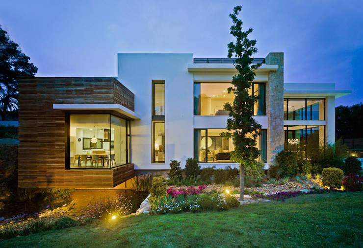 Casas mediterrânicas por Aguilar Arquitectos