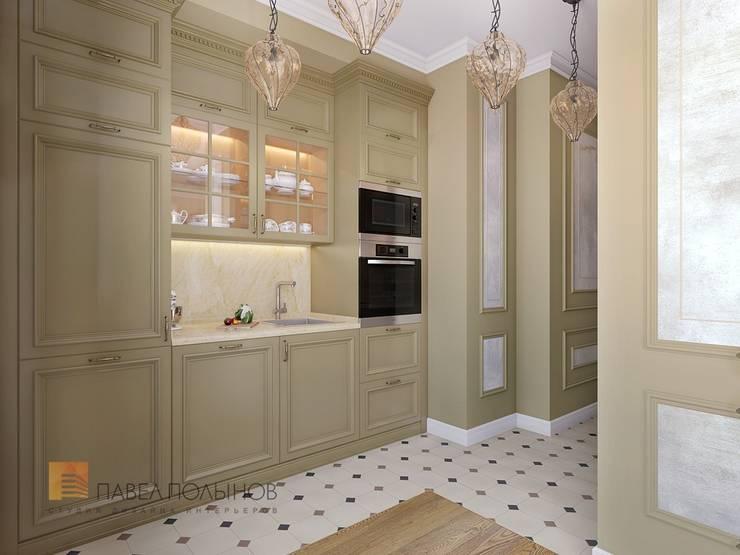 Трехкомнатная квартира в классическом стиле, ЖК «Дом на Дворянской», 133 кв.м.: Кухни в . Автор – Студия Павла Полынова