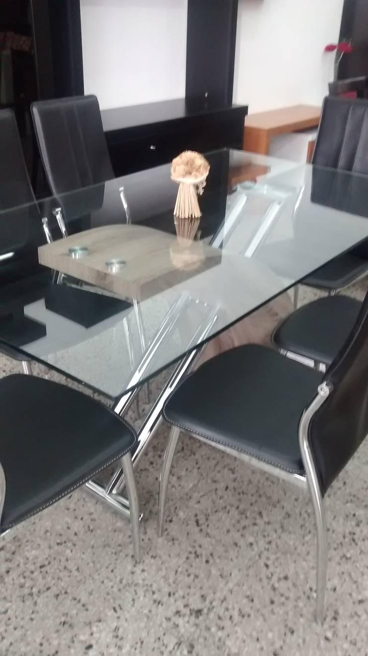 Showroom: Comedores de estilo  por Disegno´s muebles,