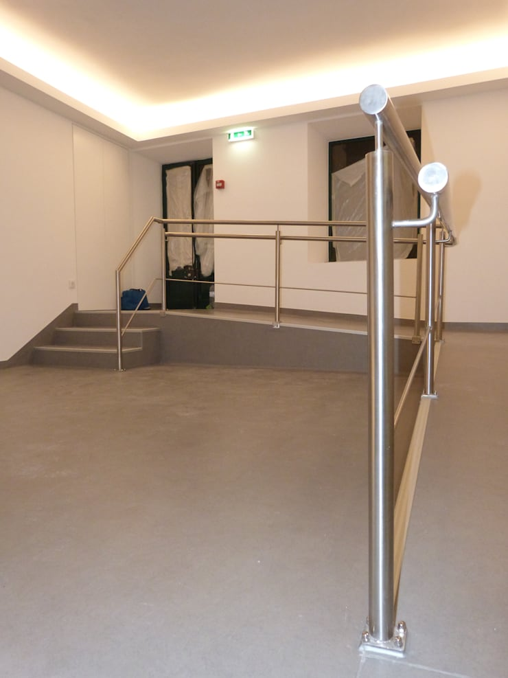 Zona de entrada: Clínicas  por IA Arquitectura&Interiores