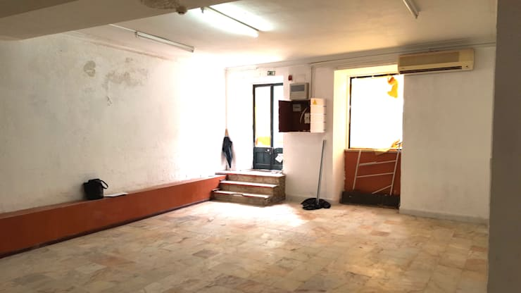 Zona de entrada /Antes: Clínicas  por IA Arquitectura&Interiores