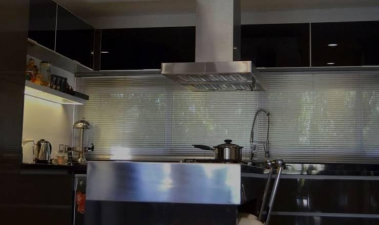 Cucina in stile  di SyM Equipamientos
