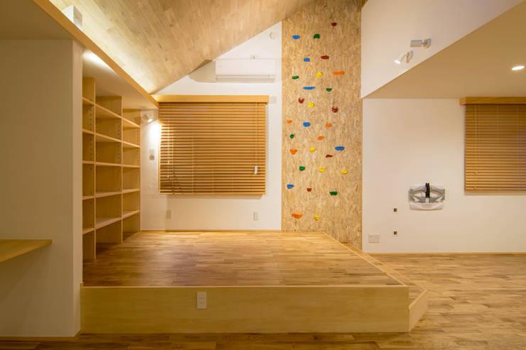Living room by 株式会社エキップ