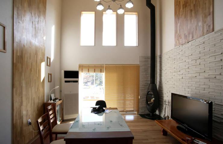 보광리 (Bokwanglee) : HOUSE & BUILDER의  침실