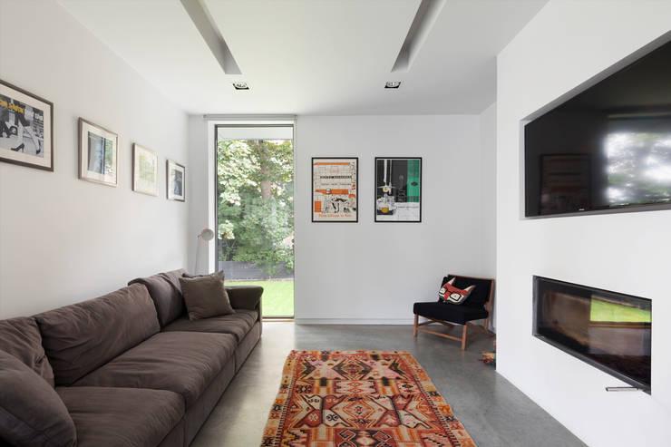 Living room:  Living room by 1st Option Representation