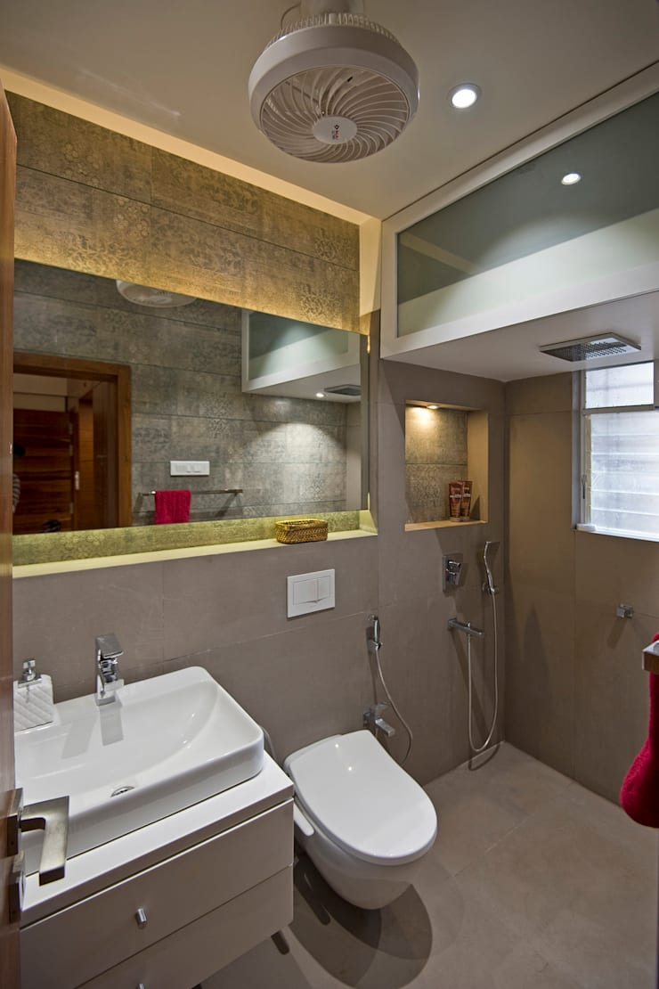 Residence Interiors at Mukundnagar, Pune:  Bathroom by Urban Tree,Modern