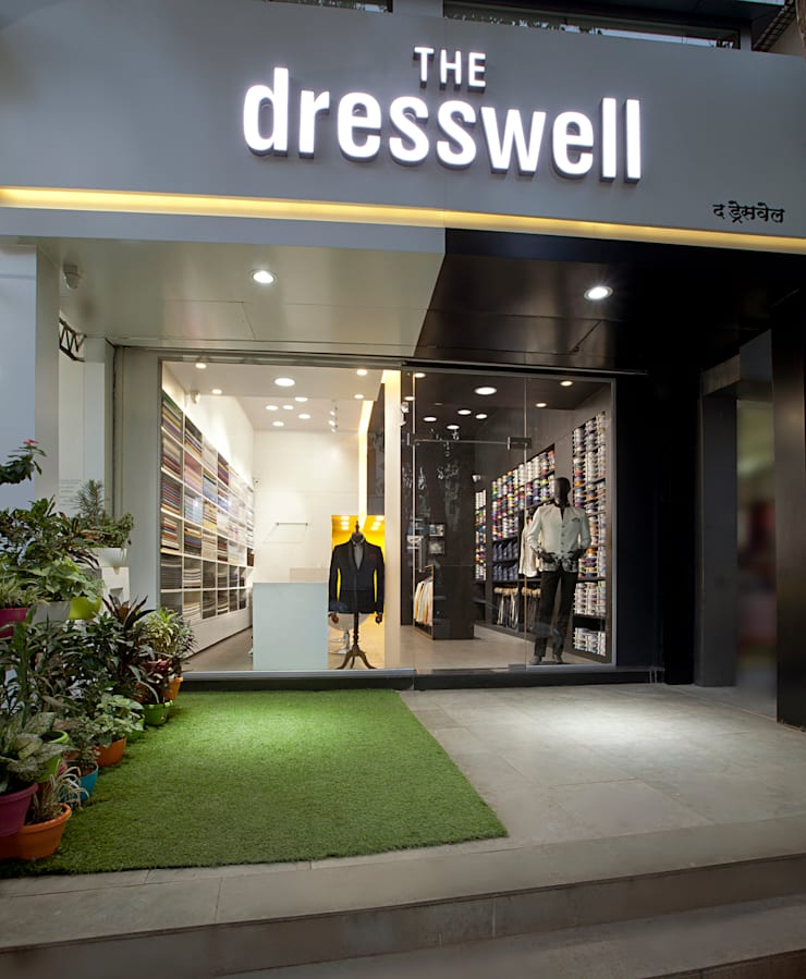 Retail Store at Thane:  Commercial Spaces by Urban Tree,