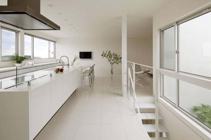 布石の家: SQOOL一級建築士事務所が手掛けたキッチンです。