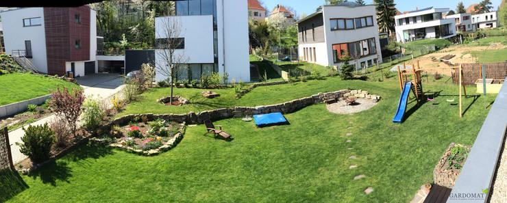 Naturliche Gartenplanung Mit Leichtem Hohenunterschied Von Gardomat