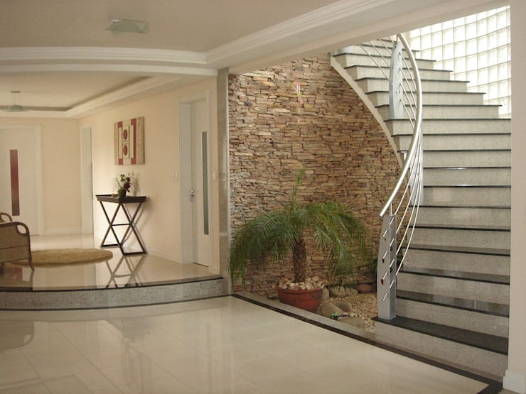 Corridor & hallway by LK Engenharia e Arquitetura