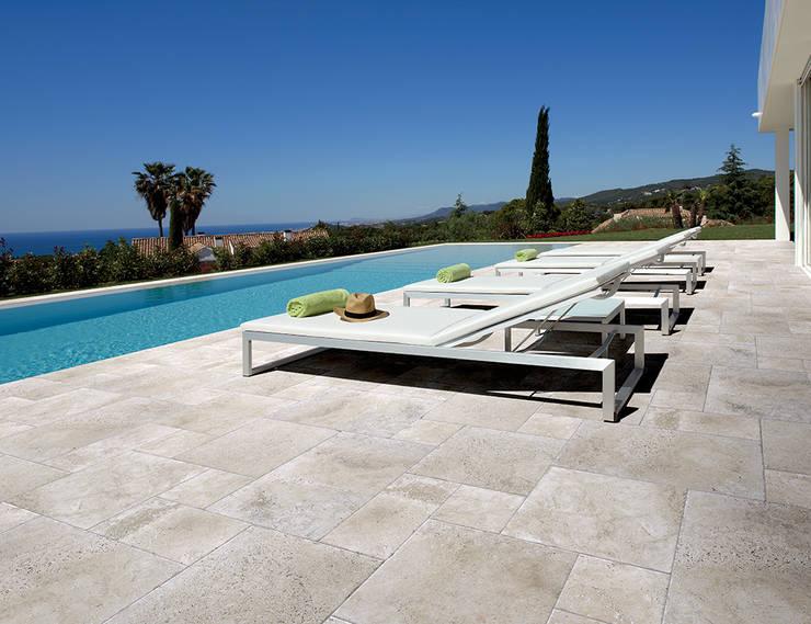 COEM - Aquitaine:  Zwembad door Spadon Agenturen, Mediterraan Keramiek
