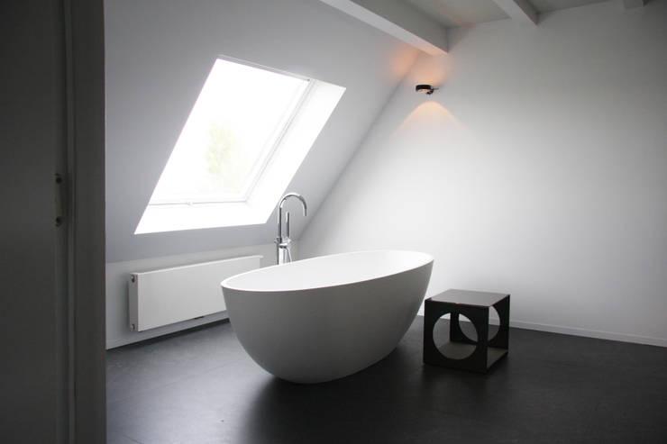 Projekty,  Łazienka zaprojektowane przez Arend Groenewegen Architect BNA