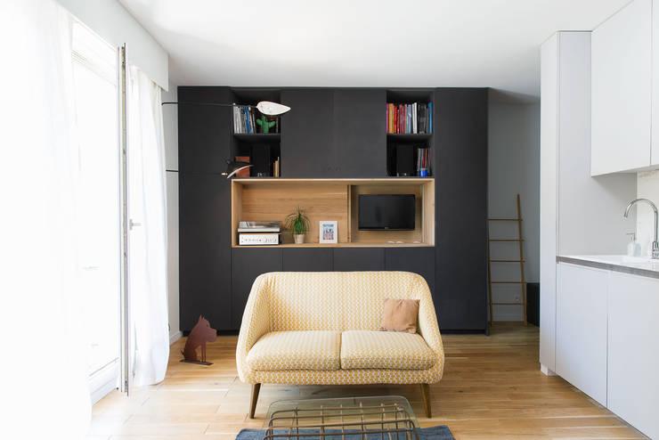 ห้องนั่งเล่น by atelier DiTO