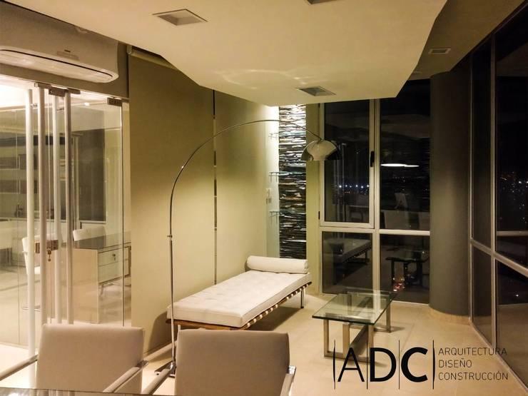 Diseño interior de oficina principal: Estudios y oficinas de estilo  por ADC - ARQUITECTURA - DISEÑO- CONSTRUCCION
