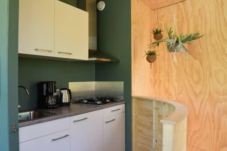 Logiesaccommodaties op camping Geversduin:   door Atelier09, Scandinavisch