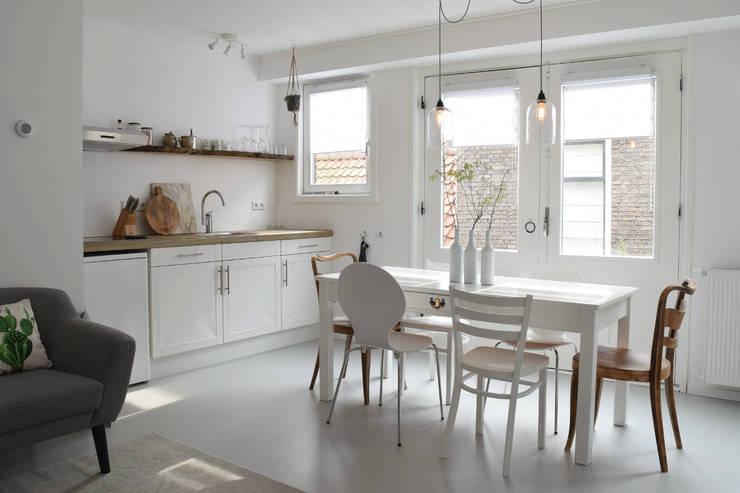 Ruang Makan by Atelier09