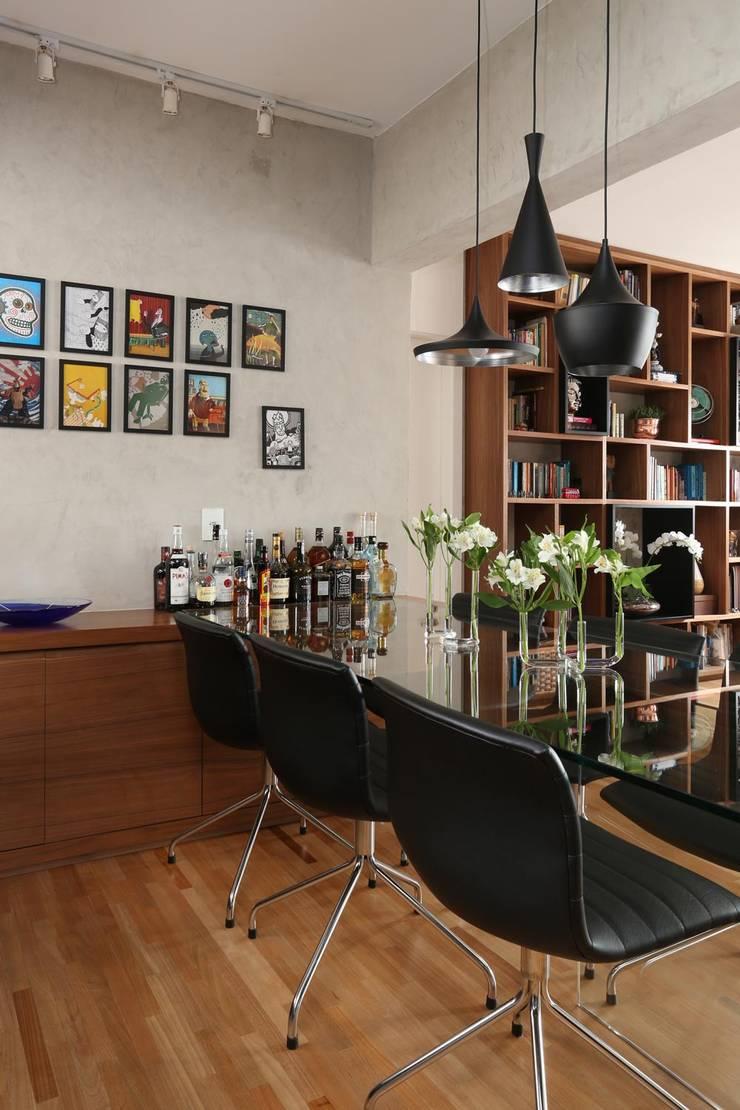 Apartamento FF: Salas de jantar  por Studio Novak
