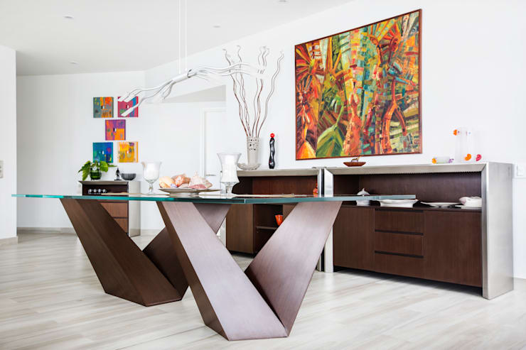 Dining room by Carughi Studio