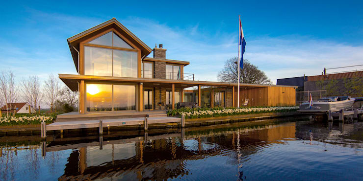 WATERVILLA RIJPWETERING:  Huizen door DENOLDERVLEUGELS Architects & Associates