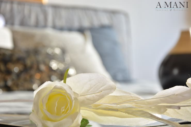 Still Life Bedroom: Hotel in stile  di A4MANI - Interior & Architecture,