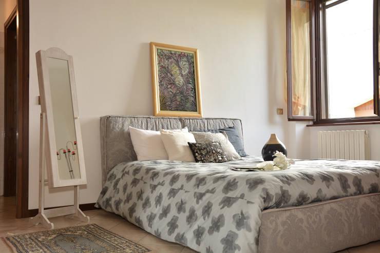 Suite: Hotel in stile  di A4MANI - Interior & Architecture,