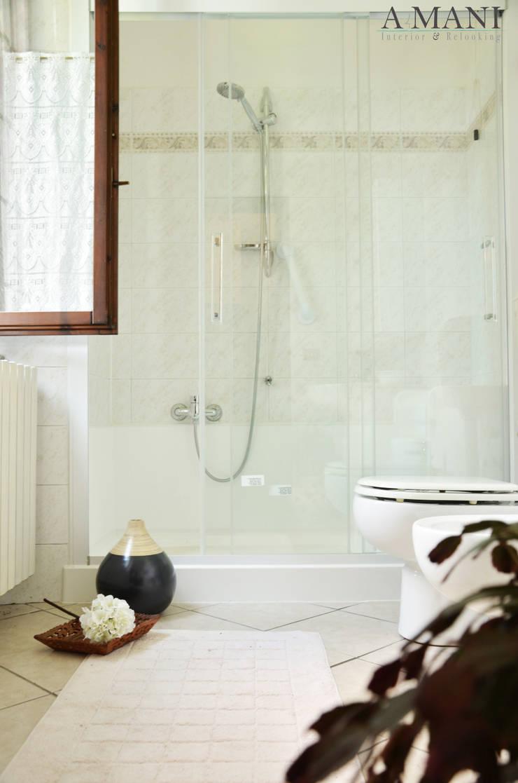 Bathroom: Hotel in stile  di A4MANI - Interior & Architecture,