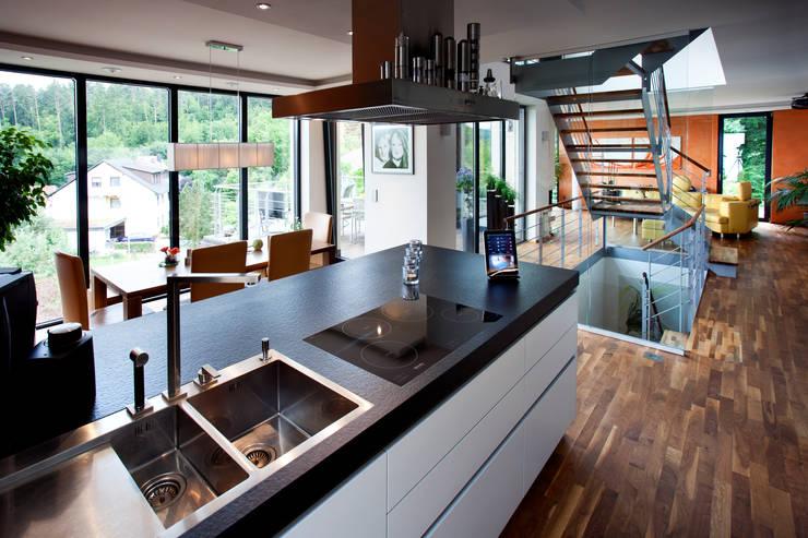 modern Kitchen by Klaus Geyer Elektrotechnik