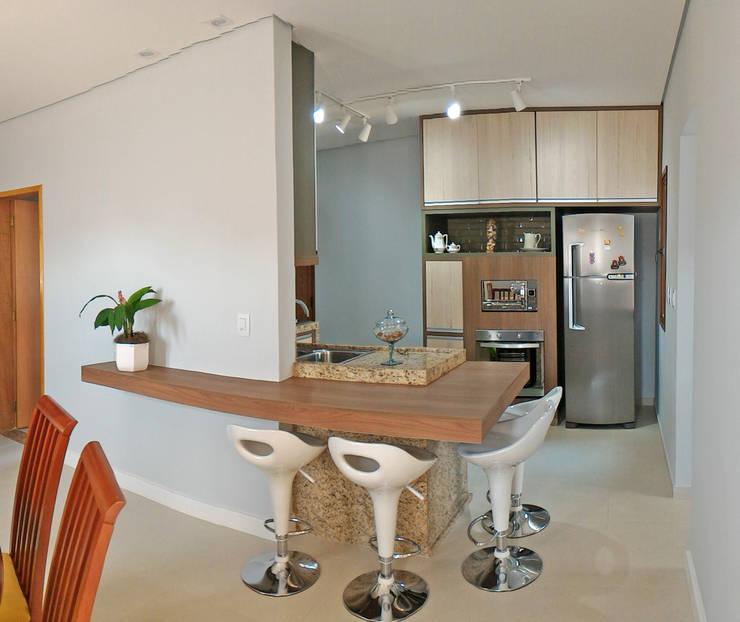 Cocinas de estilo  por Nailê Rabelo - arquitetura e design