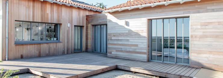 Casas modernas por Matthieu GUILLAUMET Architecte