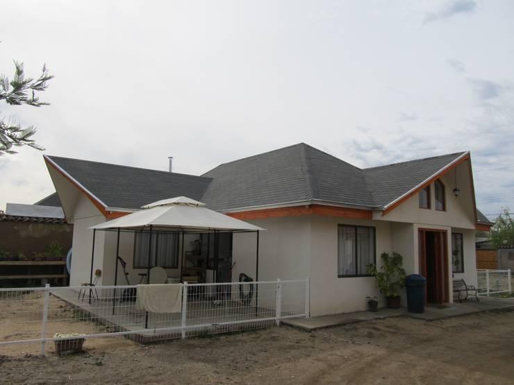 Casas de estilo colonial por +ARQ