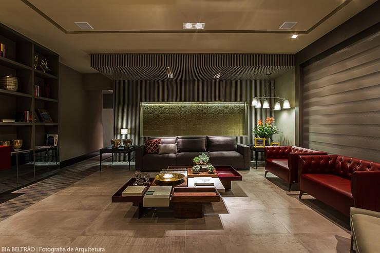 Living room by Carolina Mota - Arquitetura, Interiores e Iluminação