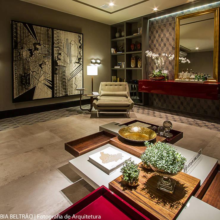 Walls by Carolina Mota - Arquitetura, Interiores e Iluminação