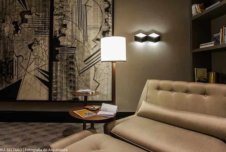Artwork by Carolina Mota - Arquitetura, Interiores e Iluminação
