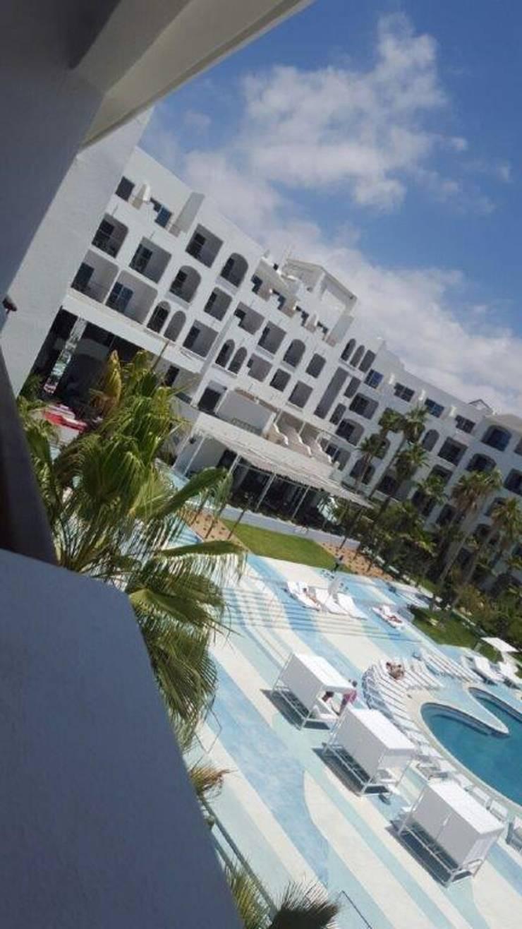 Fase Palillerias ZEN para terrazas Habitaciones Hotel Los Cabos: Balcones y terrazas de estilo  por GAVIOTA MEXICO
