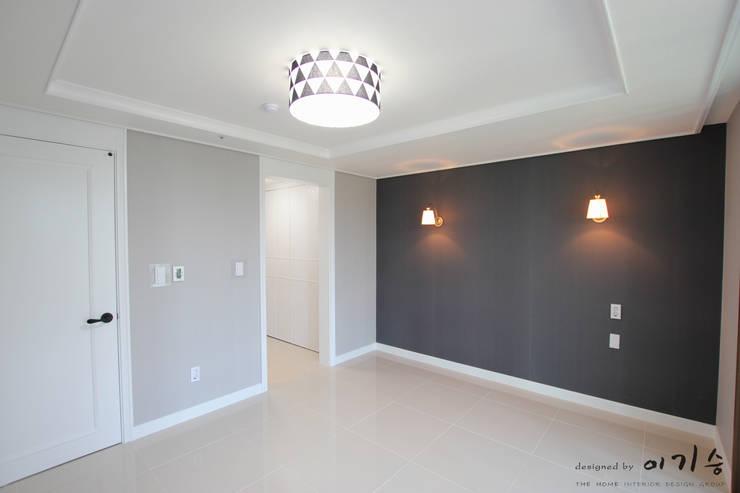 관평동 테크노밸리 10단지 꿈에그린아파트 34평형: 더홈인테리어의  침실